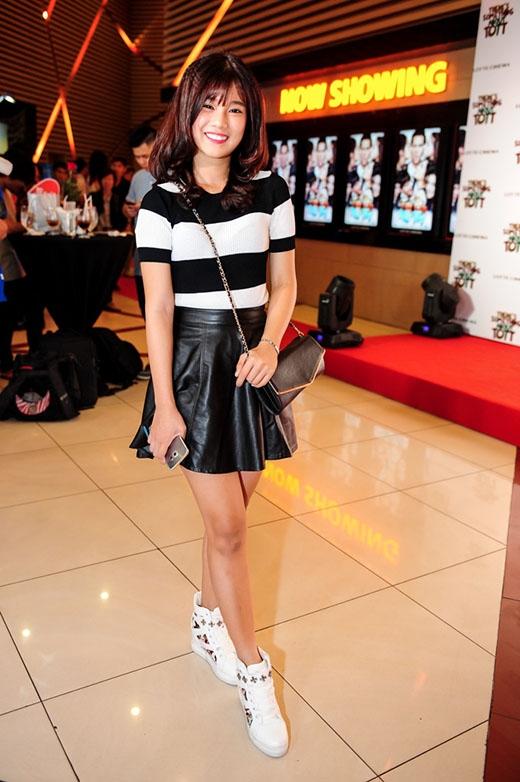 """Sau khi đạt được danh hiệu quán quân """"Tôi là diễn viên"""", Hoàng Yến Chibi quyết định Nam tiến để lập nghiệp và tạo dựng hình ảnh cá nhân trở nên hoàn thiện hơn. Trước đó, cô cũng từng tham gia và cán đích ở vị trí thứ hai trong một cuộc thi âm nhạc. Hoàng Yến Chibi cho biết cô muốn trở thành một người nghệ sĩ đa năng trong làng giải trí Việt khi theo đuổi song song âm nhạc và điện ảnh."""