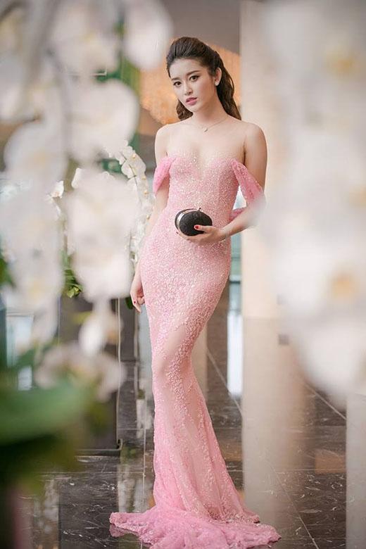 Á hậu Huyền My và gu thời trang thảm đỏ tinh tế