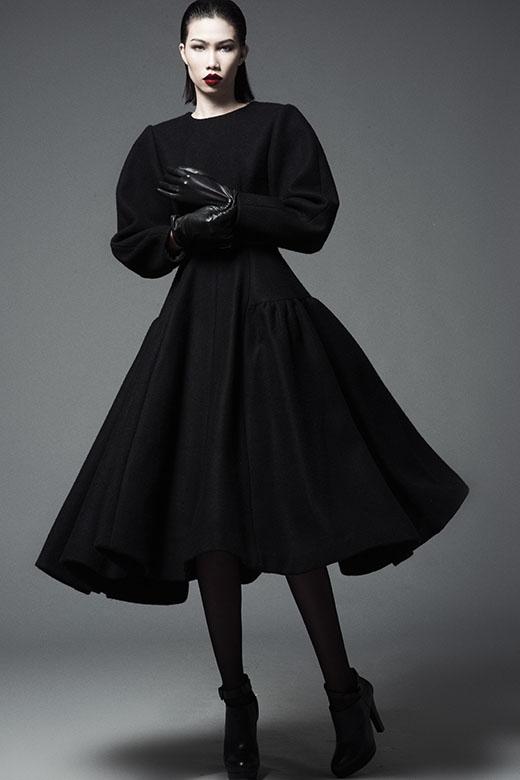 Trò cưng của Đỗ Mạnh Cường ấn tượng với trang phục sắc đen
