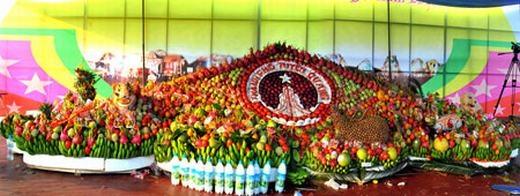 Toàn cảnh mâm cỗ Trung Thu lớn nhất Việt Nam.(Nguồn: Internet)