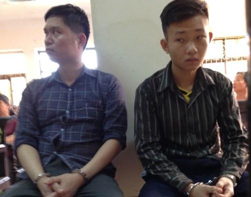 Bị cáo Nguyễn Mạnh Tường (trái) và Đào Quang Khánh (cựu nhân viên bảo vệ Thẩmmĩviện Cát Tường) tại tòa.