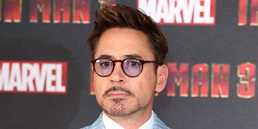 Trước khi từ bỏ ngôi trường trung học Santa Monica vào năm 1982, Robert Downey Jr. đã tích lũy cho mình kha khá những thành tích diễn xuất. Tuy nhiên đến khi chuyển tới sống ở New York, anh mới thực sự coi đó là một công việc toàn thời gian của mình.