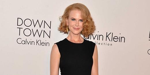 Nicole Kidman đã từng theo học tại trường trung học North Sydney Girls cùng với Naomi Watts. Thế nhưng khi mẹ cô mắc phải căn bệnh ung thư, nữ diễn viên đã buộc phải bỏ học ở tuổi 17 để đi làm trang trải cho gia đình. Không giống như những nghệ sĩ khác, sau này Kidman đã quay lại con đường học vấn bằng cách tham gia vào trường Victorian College of the Arts.