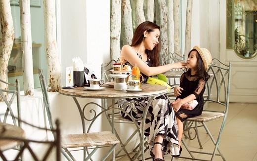 Càng lớn Mina càng sở hữu nhiều nét đẹp của mẹ khiến bao người yêu mến. - Tin sao Viet - Tin tuc sao Viet - Scandal sao Viet - Tin tuc cua Sao - Tin cua Sao