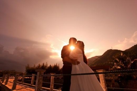 Say đắm trước ảnh cưới lung linh của cặp chồng gầy vợ béo gây bão