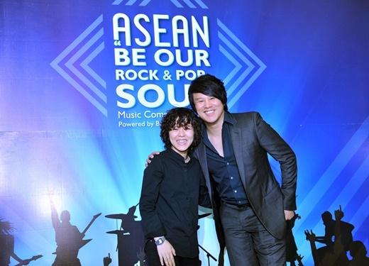 Bích Ngọc gây ấn tượng trước những thần tượng âm nhạc Đông Nam Á