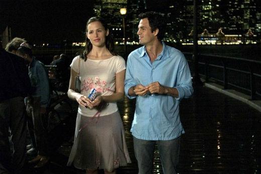 Chuyến du hành thời gian của Jennifer Garner và Mark Ruffalo đã làm khán giả khao khát một tình yêu vĩnh cửu bằng cuộc tình bắt đầu từ thời tiểu học.