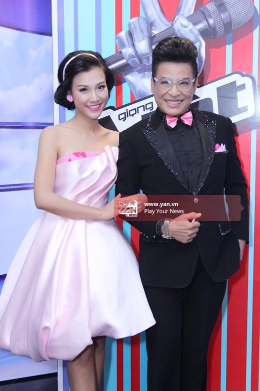 2 MC của chương trình: Thanh Bạch và Hoàng Oanh - Tin sao Viet - Tin tuc sao Viet - Scandal sao Viet - Tin tuc cua Sao - Tin cua Sao