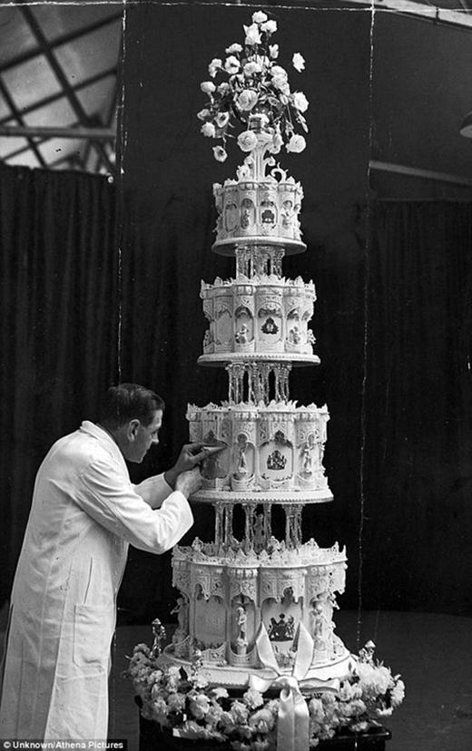 Chuyện lạ: Bánh cưới 68 năm… vẫn còn ăn được