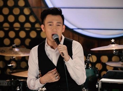 Chàng ca sĩ chịu ảnh hưởng nhiều từ người mẹ của mình.