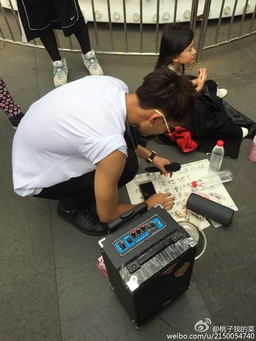 Rời EXO, Tao hát rong ở công viên để mưu sinh?