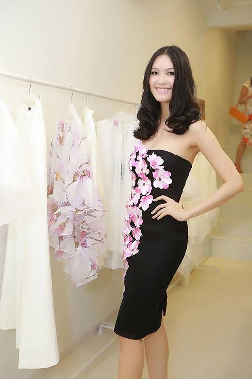 Những bí mật thú vị trong tủ đồ của Hoa hậu Thùy Dung ảnh 6