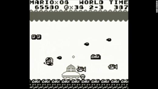 Nintendo cho ra đời game Super Mario Land trắng - đen dành cho hệ máy Game Boy vào năm 1989.