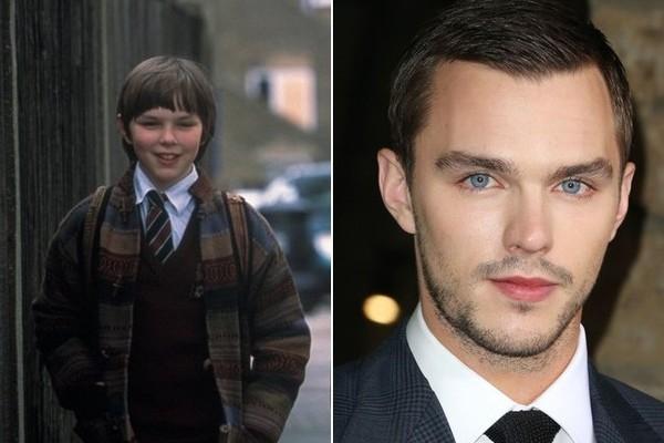 Nhiều người chắc hẳn vẫn còn nhớ cậu bé Nicholas Hoult ngộ nghĩnh nhưng vô cùng ngọt ngào trong About a Boy. Hiện giờ anh chàng đã trở thành một trong những diễn viên trẻ hot nhất showbiz với rất nhiều người hâm mộ.