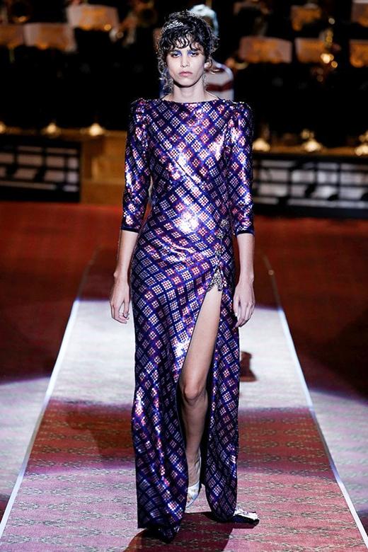 Người mẫu béo gây ấn tượng mạnh trong show diễn của ông hoàng Marc Jacobs