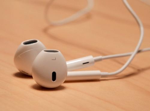 Sử dụng tai nghe không chính hãng sẽ nguy hiểm đến tính mạng của bạn.