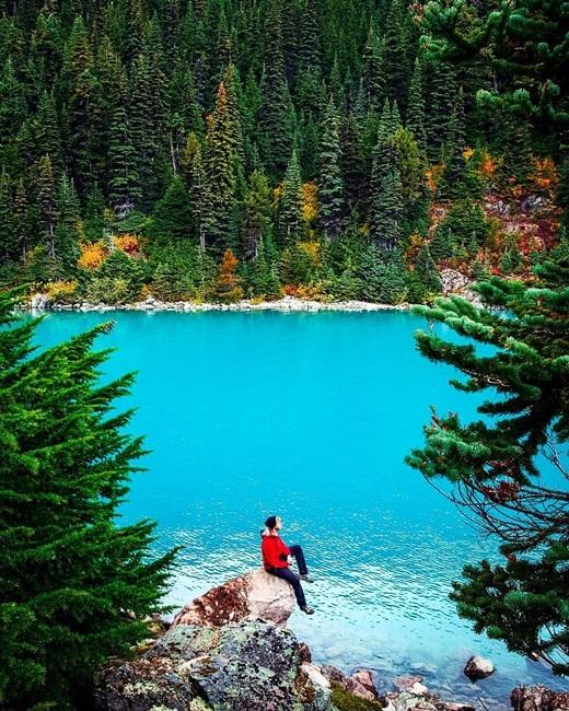 Phong cảnh ở British Columbia đẹp đến nỗi có chết cũng cam lòng. (Nguồn IG @shanemichaelblack)