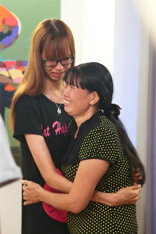 Chiến thắng thuộc về cô gái cao 1m90 - Lương Thị Hồng Xuân và phần thưởng đặc biệt dành cho cô làđược hội ngộ cùng mẹ tại ngôi nhà chung sau khi trở về từ Nha Trang.