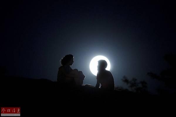 Nhiều người đã háo hức chuẩn bị cho công cuộc ngắm trăng ngay từ bây giờ.
