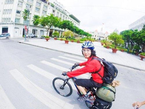 Chàng trai 9x đã đạp xe qua 50 tỉnh thành với quãng đường 11.000 km.