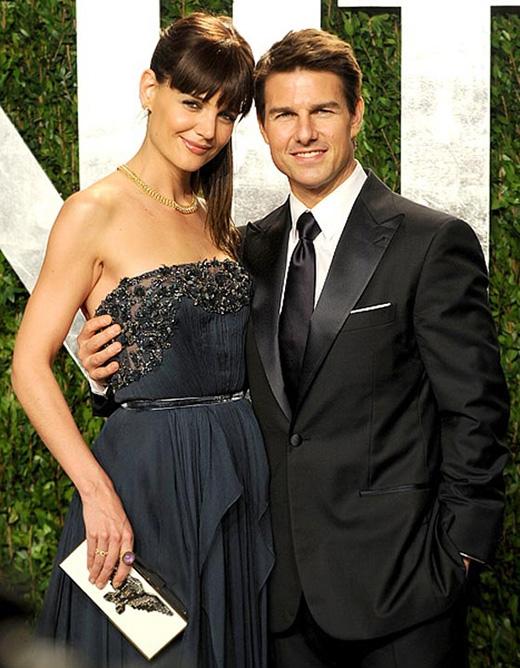Katie Holmes đã từng là một fan lớn của Tom Cruise. Khi bộ phim Top Gun nổi tiếng của chàng diễn viên điển trai được phát hành, Katie đã tuyên bố với các chị gái rằng một ngày nào đó cô ấy sẽ cưới Tom. Và điều đó đã trở thành hiện thực, tiếc là cuộc hôn nhân của hai người không được bền chặt.