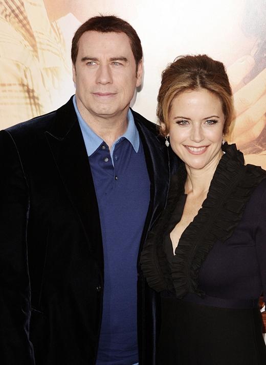 """Kelly Preston đã tiên đoán trước được tình yêu tương lai của mình. Cô nàng luôn chắc chắnmình sẽ cưới diễn viên John Travolta. Cô chia sẻ trong một bài phỏng vấn, """"Tôi đi xem phim và thấy poster phim Grease (Travolta thủ vai) và biết rằng mình sẽ cưới anh chàng diễn viên này. Tôi chỉ biết vậy thôi. Lúc đó tôi 16 tuổi""""."""