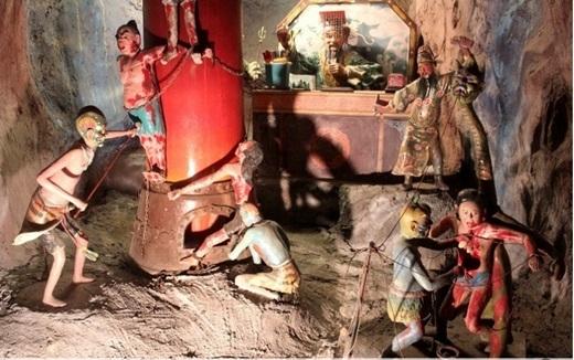 Có lời đồn đại rằng những bức tượng ghê rợn và sống động ở đây thực chất là xác chết được phủ sáp.(Nguồn: Internet)