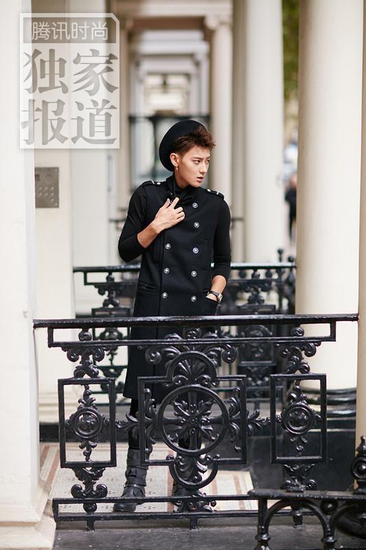 """Vô duyên tại tuần lễ thời trang, Z.Tao nhận """"gạch đá"""" tơi tả"""