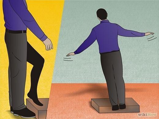 Kết hợp với các động tác tay gây ảo giác, đồng thờiphân tán lực chú ý. (Ảnh: Internet)