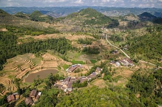 Ngắm cảnh từ cực Bắc của Việt Nam - Lũng Cú, Hà Giang.(Nguồn: Matador Network)