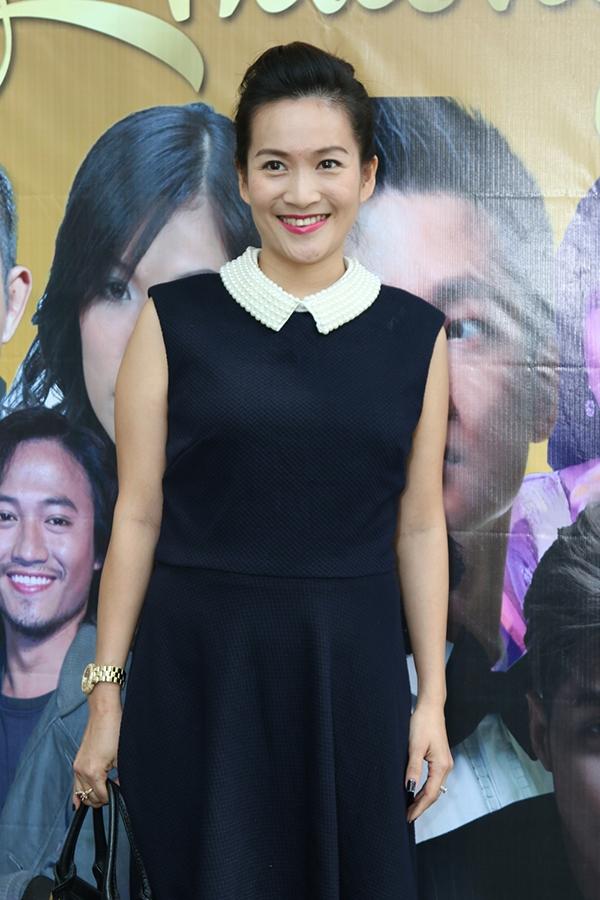 Bà xã của nam diễn viên - doanh nhân Lê Anh Thơ cũng có mặt để ủng hộ chồng. - Tin sao Viet - Tin tuc sao Viet - Scandal sao Viet - Tin tuc cua Sao - Tin cua Sao