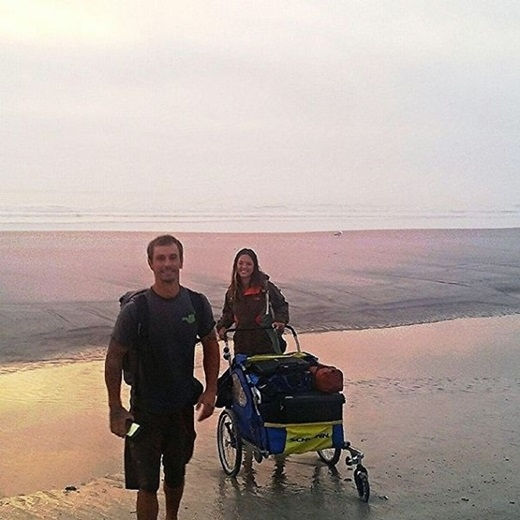 Tròn mắt trước hành trình của cặp đôi liều lĩnh đi bộ xuyên đại dương