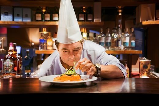 Bếp trưởng 5 sao Jurgen Kauz tại nhà hàng IL Vino của My Way