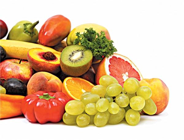 Thay vì cất giữ chúng trong một hoặc hai tuần, hãy tạo thói quen mua rau tươi vài ngày một lần.
