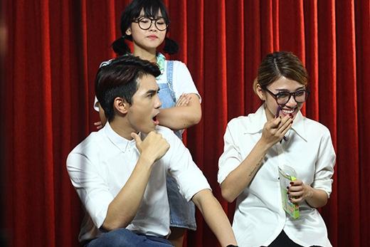 Trương Thảo Nhiluôn tìm cách để ngăn cản mối tình của bạn trai và tình địch.