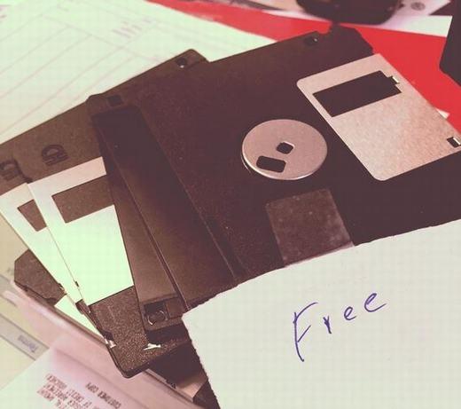 Chiếc đĩa mềm không thể thiếu trong môntin học. (Ảnh: Internet)