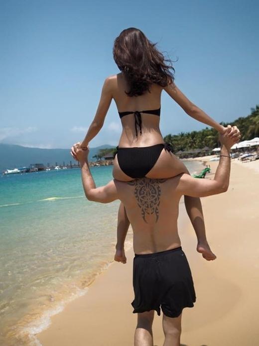 Toát mồ hôi với ảnh tình yêu cực nóng bỏng của cặp trai Tây-gái Việt