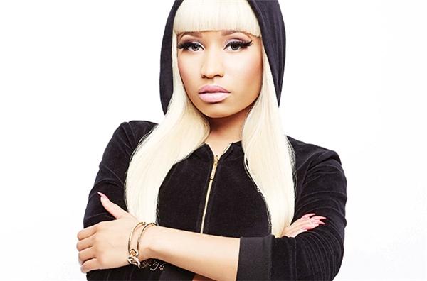 Một thành viên trong ê kíp thực hiện chương trình American Idol từng tiết lộ rằng khi bực tức, Nicki Minaj thường xuyên trút giận lên các nhân viên. Cô thậm chí còn sẵn sàng gấy hấn với bất cứ fan nào dám quấy rầy.