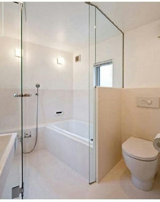 """Không gian hẹp không làm giảm đi độ """"sang chảnh"""" của phòng tắm.(Nguồn: 9gag)"""