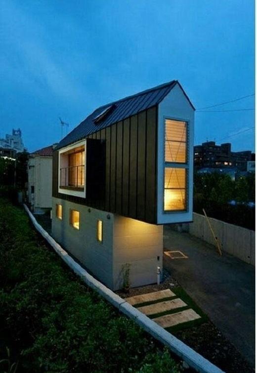 """Chỉ cần biết cách tổ chức và sắp xếp nội thất một cách khoa học, tận dụng mọi khoảng không gian sống thì dù là một căn nhà """"siêu mỏng"""" như thế này cũng có thể trở nên rộng thênh thang.(Nguồn: 9gag)"""