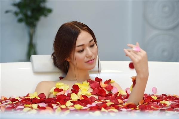 Việt Trinh đau lòng cắt bớt cảnh nóng của Khánh My để tránh nhãn 18+ - Tin sao Viet - Tin tuc sao Viet - Scandal sao Viet - Tin tuc cua Sao - Tin cua Sao