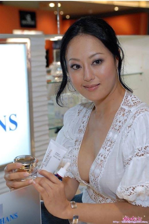 8 sao nữ Hoa ngữ bị tố ham giàu bỏ rơi người tình nghèo khó
