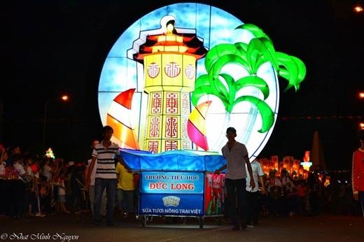 ... đếnhình tượng tháp nước nổi tiếng của Phan Thiết.