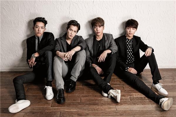 CNBlue tiếp tục kế hoạch quảng bá ca khúc Cinderella, song song đó là chuẩn bị concert sắp tới của nhóm.