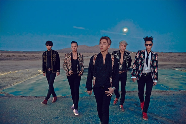 Nhiều tháng nay, Big Bang liên tục bận rộn với những đêm concert vòng quanh các nước châu Á. Hôm nay ngày 27/9 là đêm diễn cuối cùng của các chàng trai tài năng nhà YG tại Đài Loan. Sau đó, Big Bang sẽ trở về Hàn để chuẩn bị cho concert sắp tới diễn ra ở Mĩ.