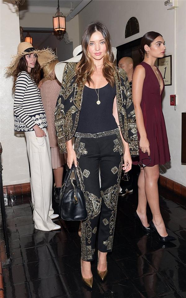 Thời trang tiệc tùng đơn giản nhưng cực kì thu hút của Miranda Kerr