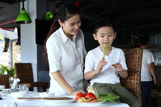 Cả hai rấtmong đợi món ăn và bất ngờ thú vị từ đầu bếp Jack Lee.