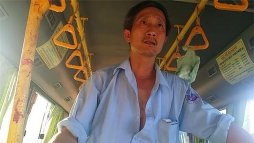 Phụ xe Nguyễn Hồng Lam kể lại vụ việc với PV. VietNamNet.