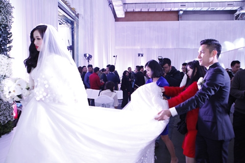 Tiệc cưới toàn màu trắng theo sở thích của Tâm Tít. - Tin sao Viet - Tin tuc sao Viet - Scandal sao Viet - Tin tuc cua Sao - Tin cua Sao