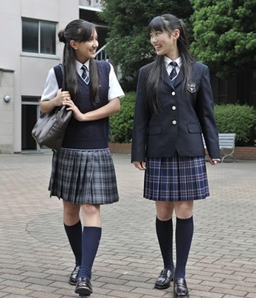 Váy đồng phục học sinhNhật Bản không hề ngắn như trong truyện tranh.(Ảnh Internet)